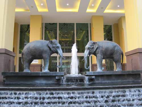 Le Meridien Chiang Mai fountain