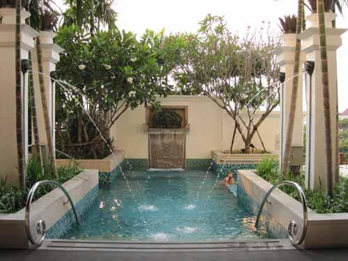 Le Meridien Chiang Mai pool