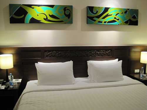 Le Meridien Phuket Beach Resort Bedroom